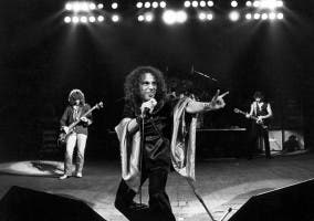 Actuación en vivo de Black Sabbath en su etapa con el vocalista Ronnie James Dio