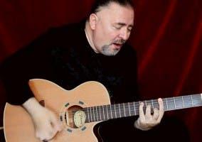 Captura de un vídeo del guitarrista Igor Presnyakov